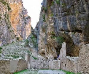 Fara San Martino, la bellezza tra rocce, natura e cascate