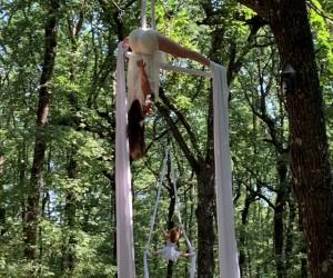 """Natura, spettacolo e silenzio: l'evento """"Immaginaria"""" nella foresta umbra"""