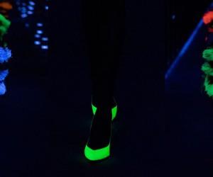 YSL porta in scena la luce attraverso i giochi fluorescenti