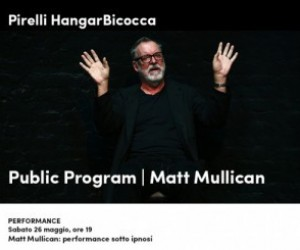Matt Mullican: performance sotto ipnosi