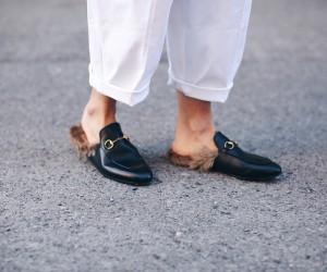 Le slippers a pantofola diventano cool superando ogni preconcetto e barriera