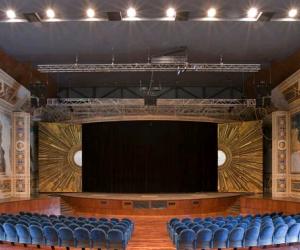 Un grande cartellone per festeggiare i venti anni del Teatro Lyrick di Assisi