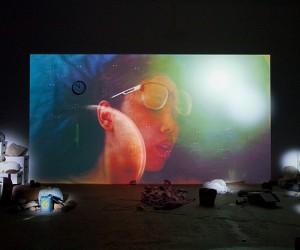 Busti, video e artefatti: Trisha Baga stupisce all'Hangar Bicocca con the eye, the eye and the ear